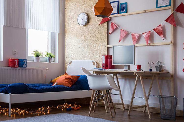 Fairy light decoration ideas - below bed