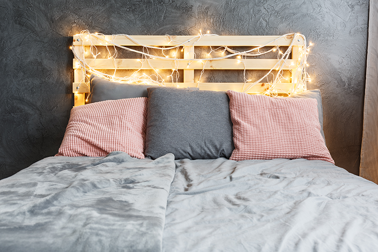 Fairy light decoration ideas - headboard